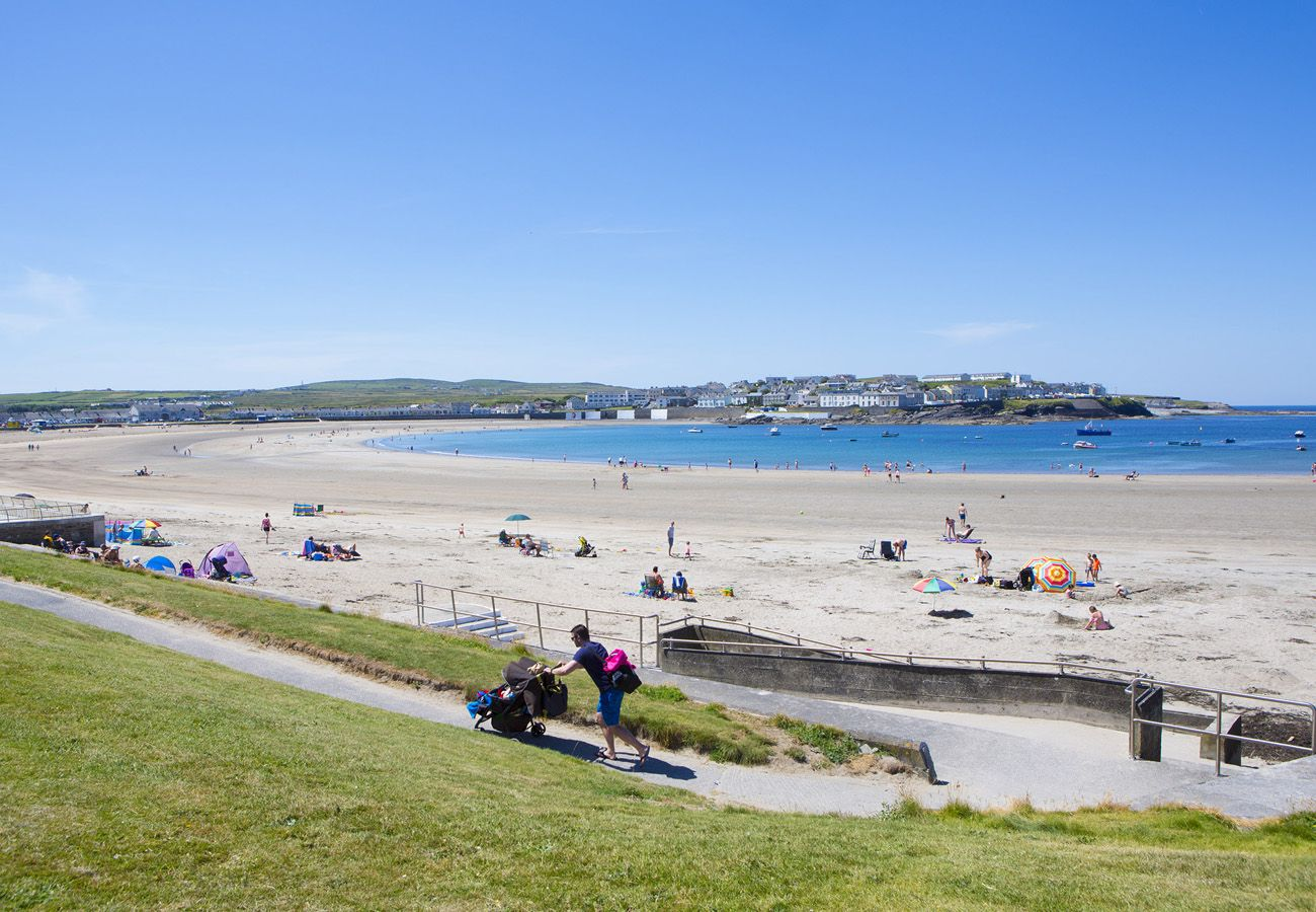 Kilkee Sandy Beach   Kilkee House To Rent   House to Rent in Clare