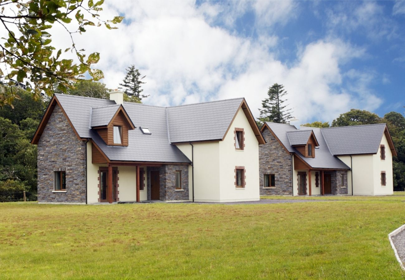 Ardnagashel Woods, A Self Catering Holiday Home in Ballylickey, County Cork