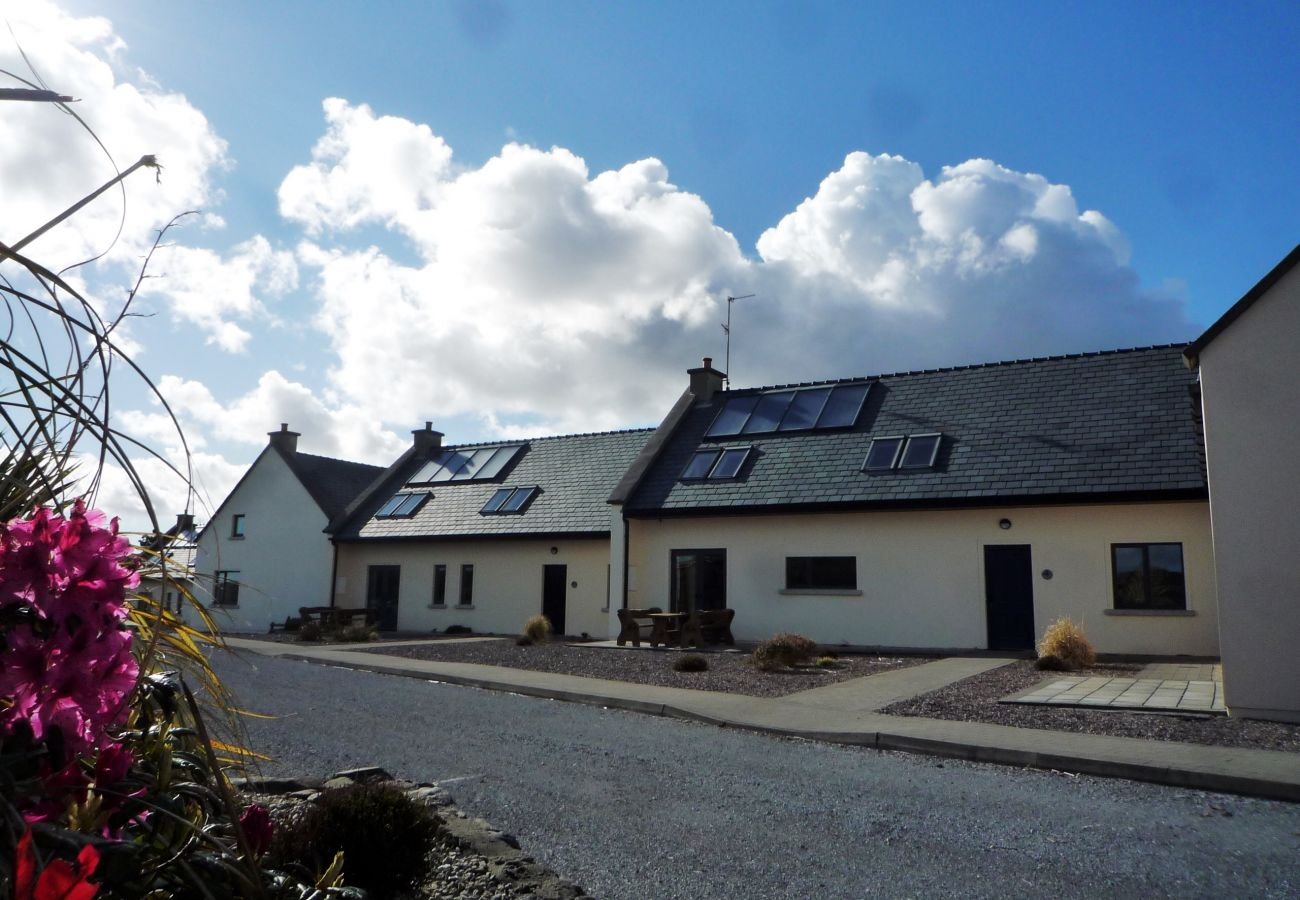 Derrynane Holiday Homes, Seaside Holiday Accommodation Available in Caherdaniel, County Kerry