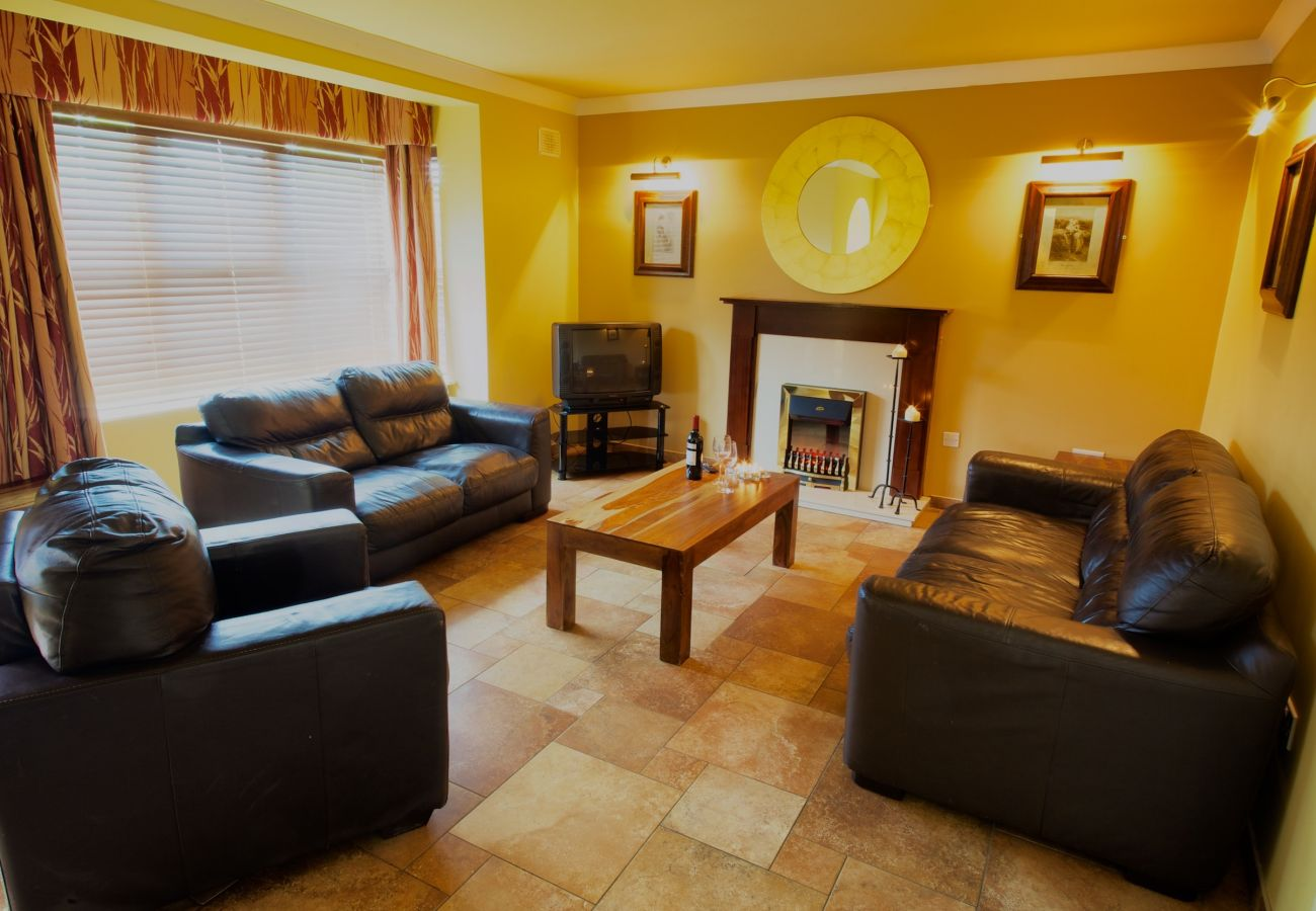Abbey Court Holiday Lodges, Self Catering Holiday Homes in Nenagh, County Tipperary