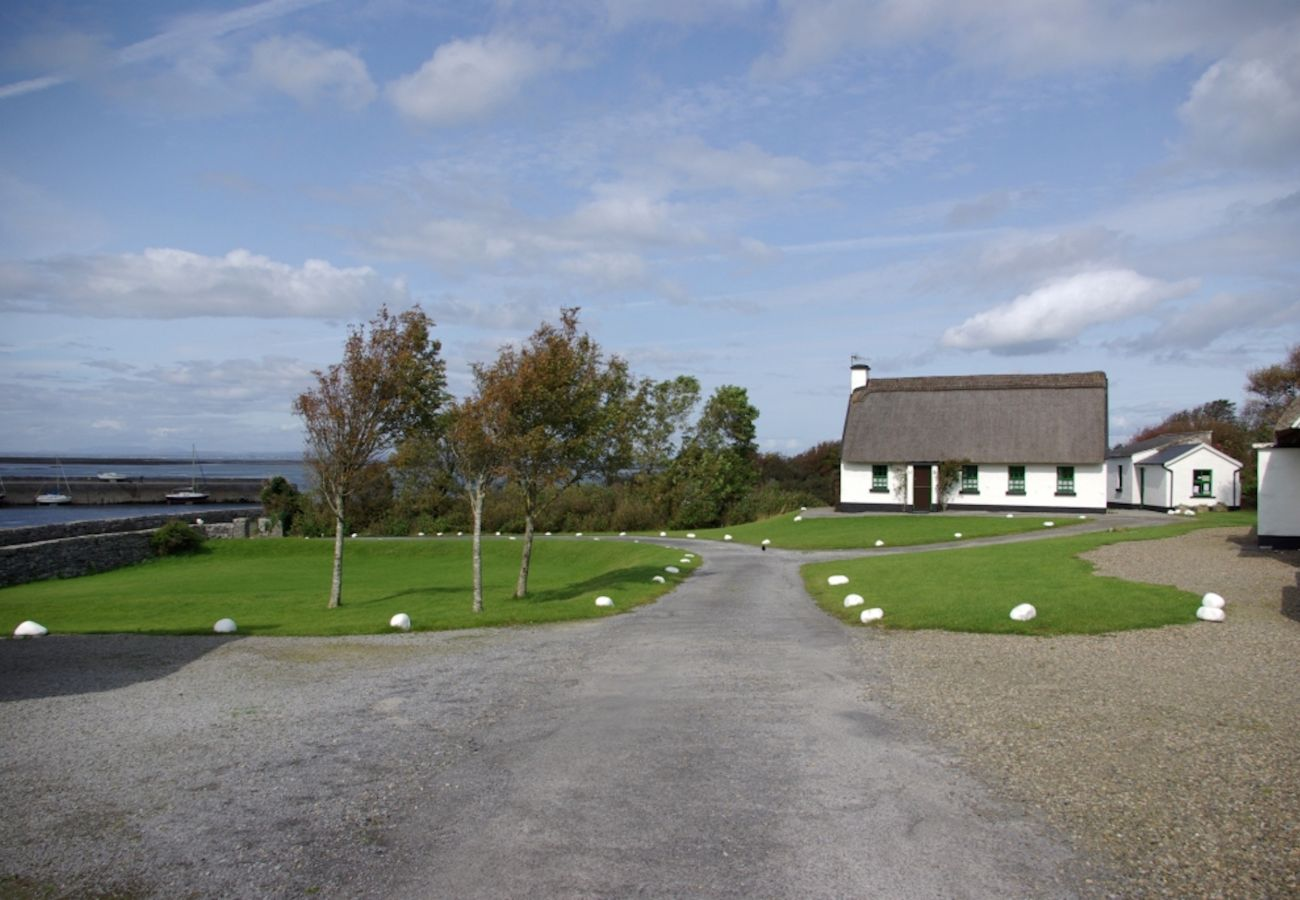 Ballyvaughan, Self Catering Holiday Homes in Ballyvaughan, County Clare