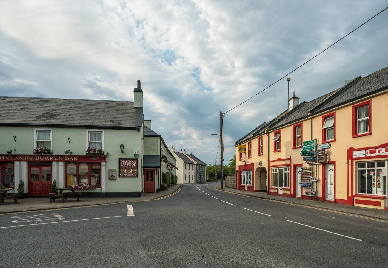 Ballyvaughan Village County Clare © Failte Irelandand Tourism Ireland