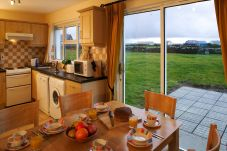 House in Liscannor - Liscannor Holiday Village (4 Bed)