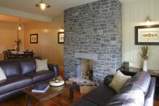 House in Ballina - Mount Falcon Lakeside Lodges (3 Bed)