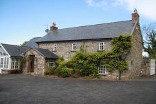 House in Thomastown - The Stables Farmhouse and Lodge