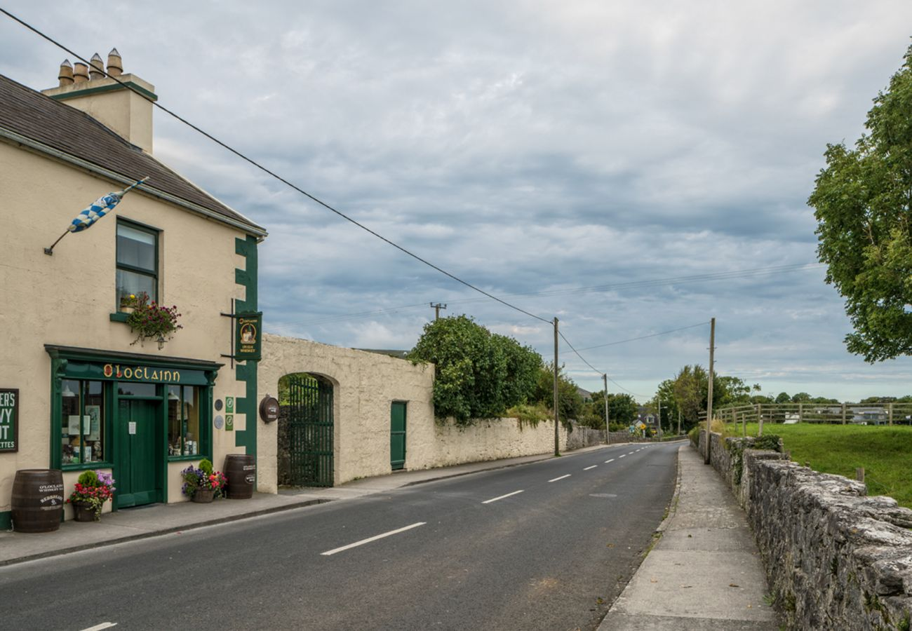 Ballyvaughan County Clare © Failte Ireland & Tourism Ireland | Trident Holiday Homes