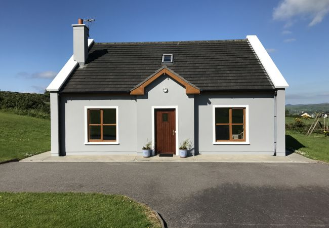 Lispole Holiday Cottage No.9, Lispole, Dingle, Co.Kerry