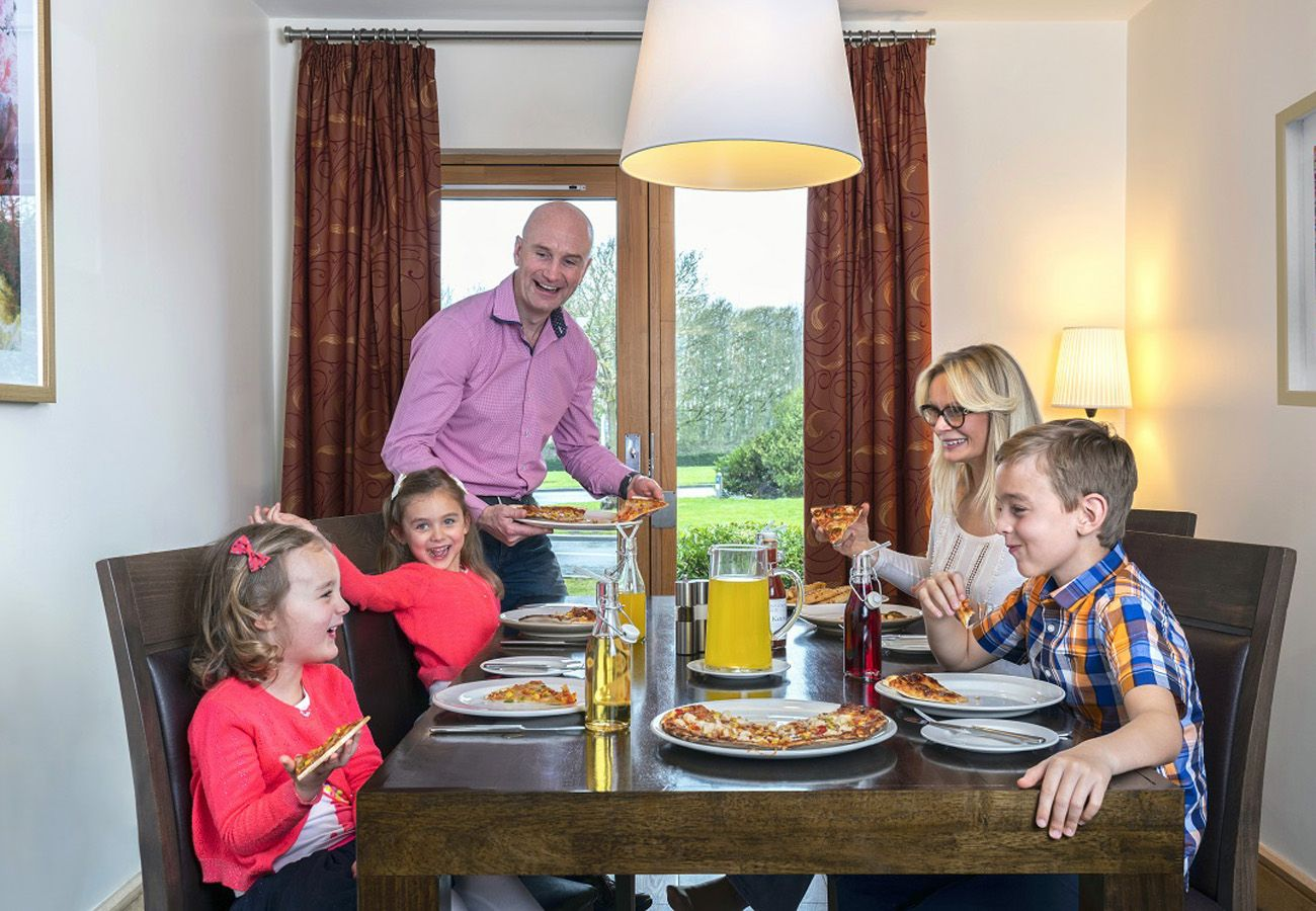House in Enfield - Johnstown Estate Holiday Lodges