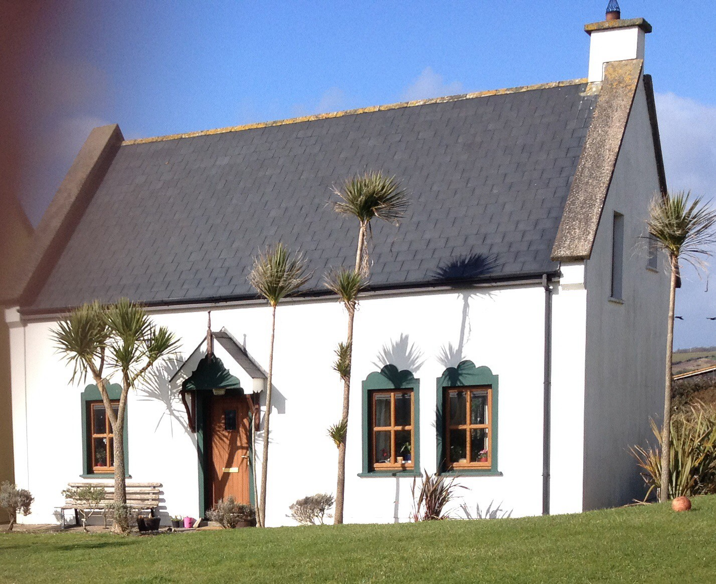 Prime Houses In Garrettstown Kinsale Coastal Cottages Kinsale Interior Design Ideas Clesiryabchikinfo