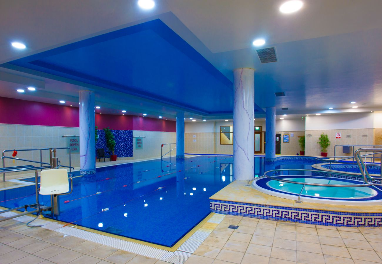Swimming Pool & Leisure Facilities, Knightsbrook Hotel, Trim, County Meath