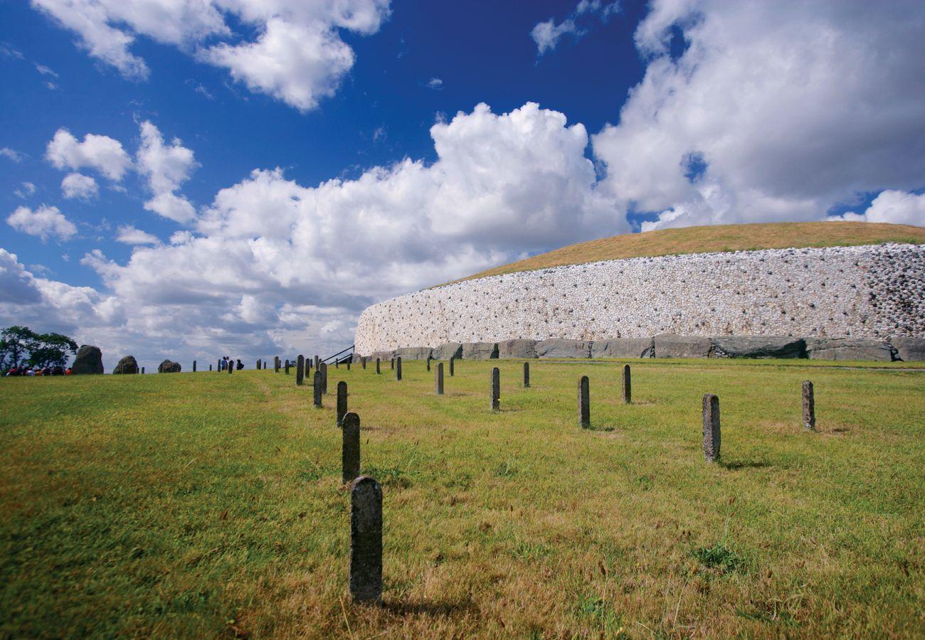 Newgrange Stone Age Passage Tomb, Boyne Valley, Meath, Ireland © Tourism Ireland