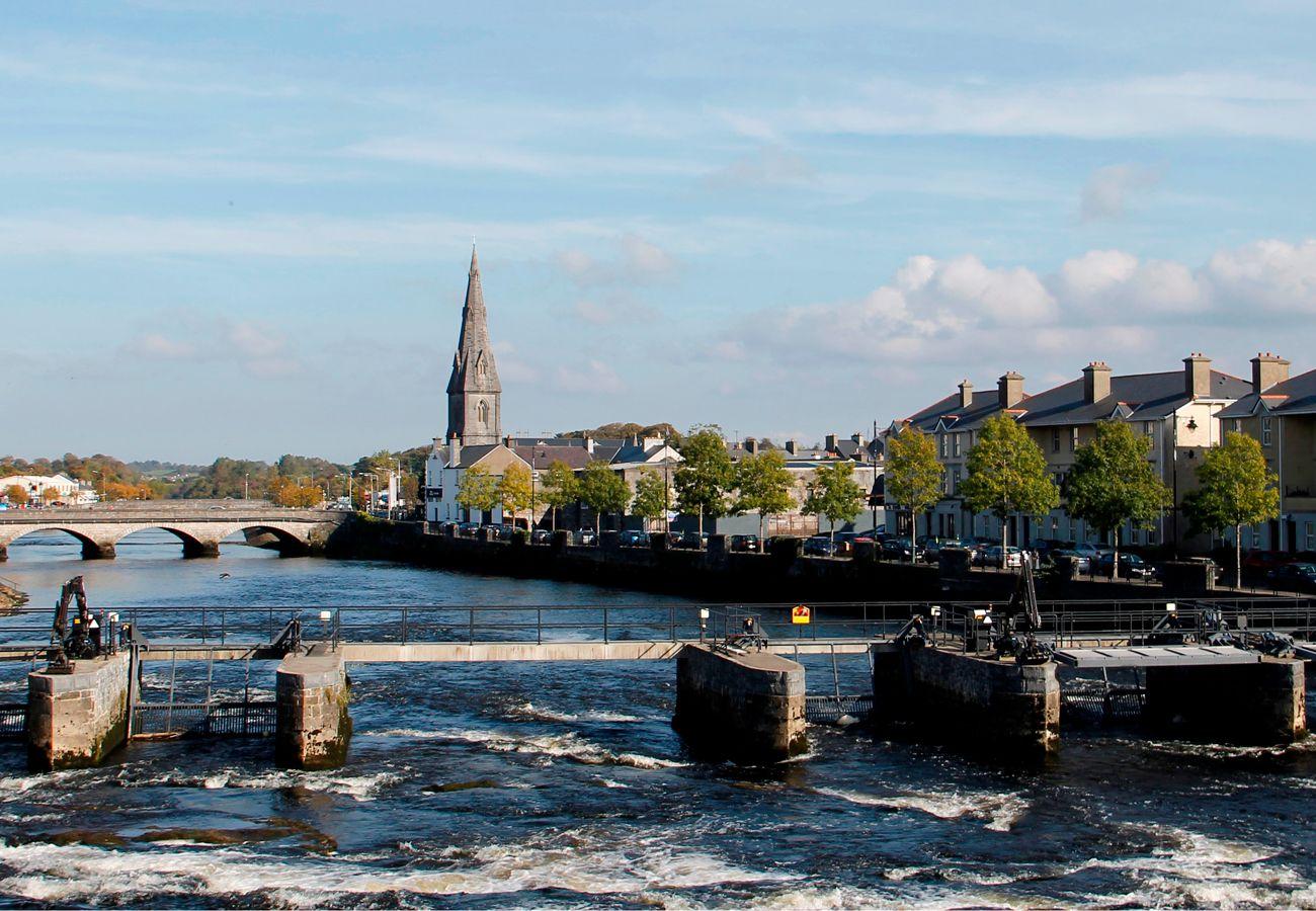 Ballina Town Mayo Holdiay Homes copyright Fáilte Ireland