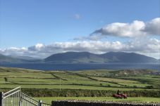 House in Dingle - Lispole Holiday Cottage (No.3 - Pet Friendly)