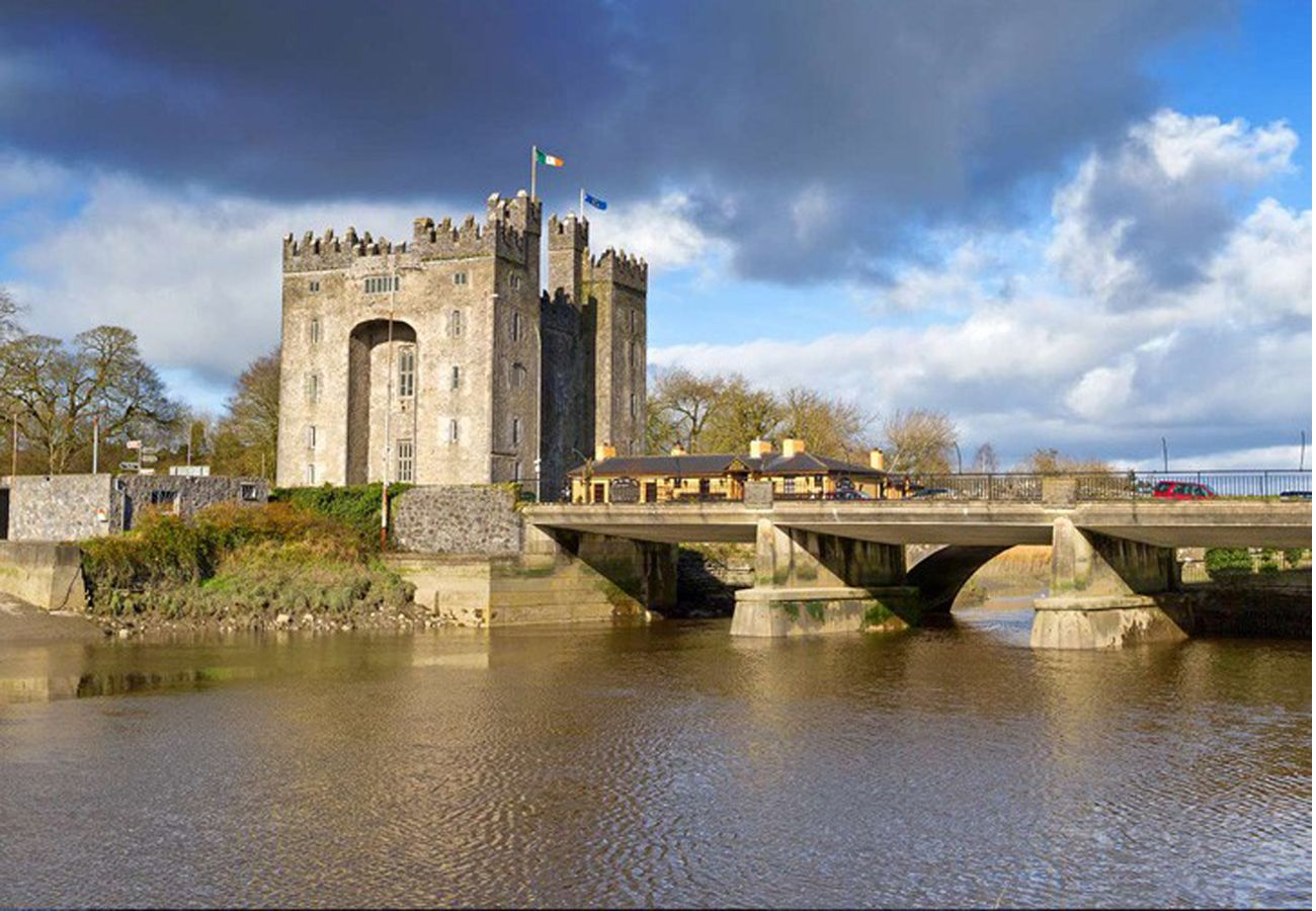 Self Catering Bunratty Castle Clare Ireland