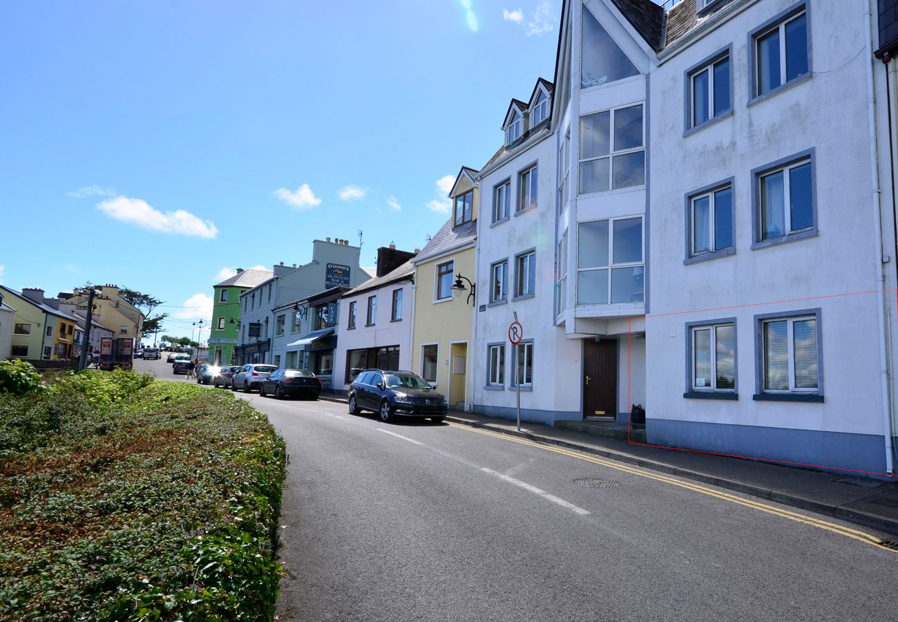 Apartment in Roundstone - Roundstone Harbourside Apartment