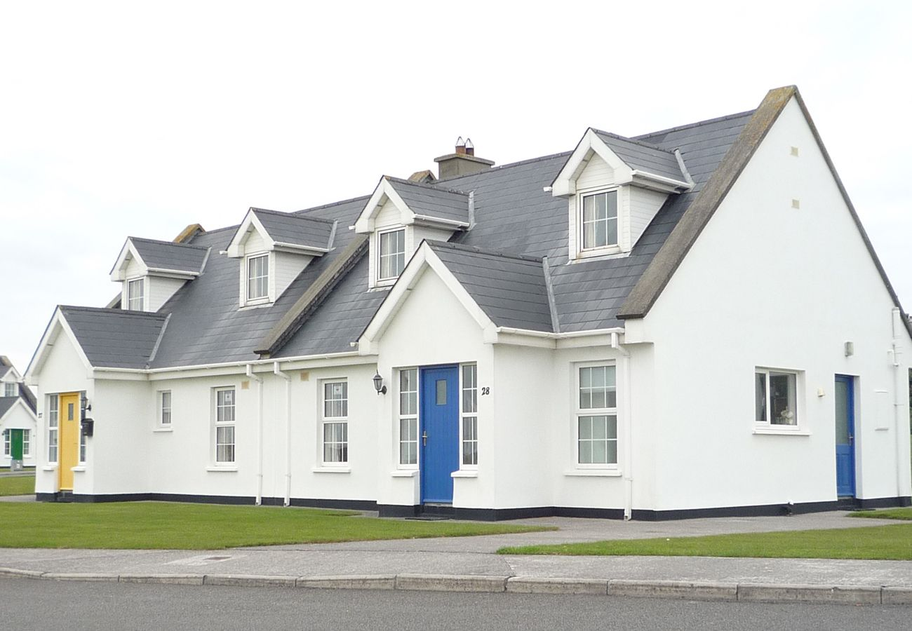 No. 27 Ballybunion, A Self Cateriing Holiday Home in Ballybunion, County Kerry