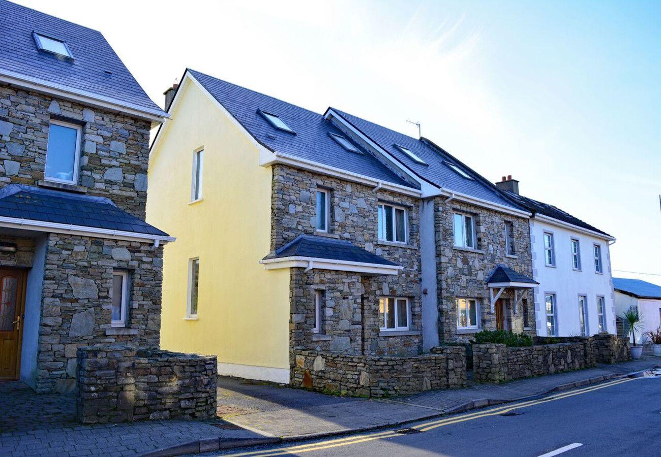 Cleggan Harbour Holiday Home, Cleggan, Galway, Ireland