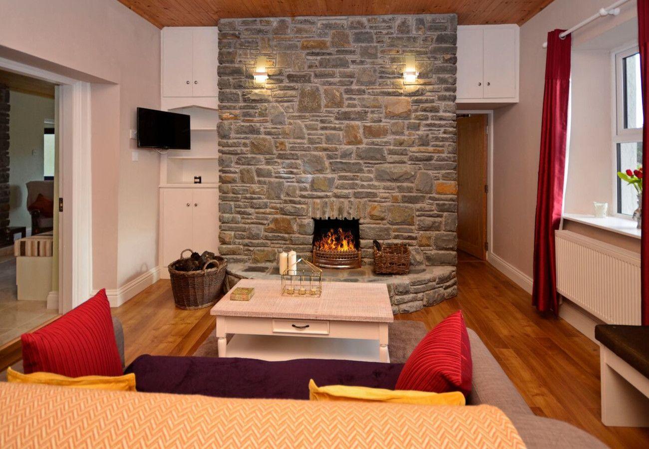 Recess Mountain View Holiday Home, Recess, Connemara, Galway, Ireland