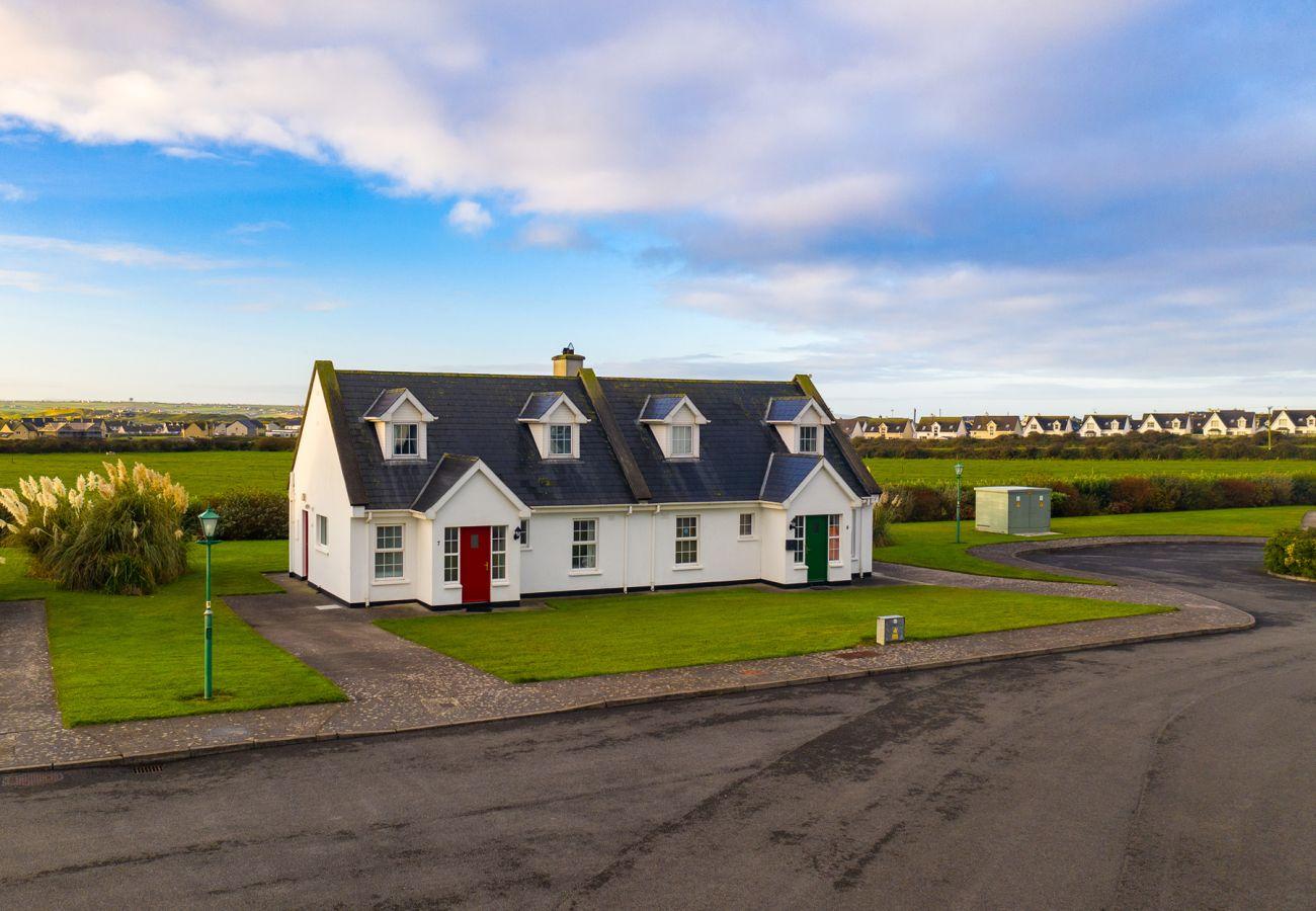 Ballybunion Holiday Cottage No. 4, Seaside Holiday Accommodation in Ballybunion, County Kerry