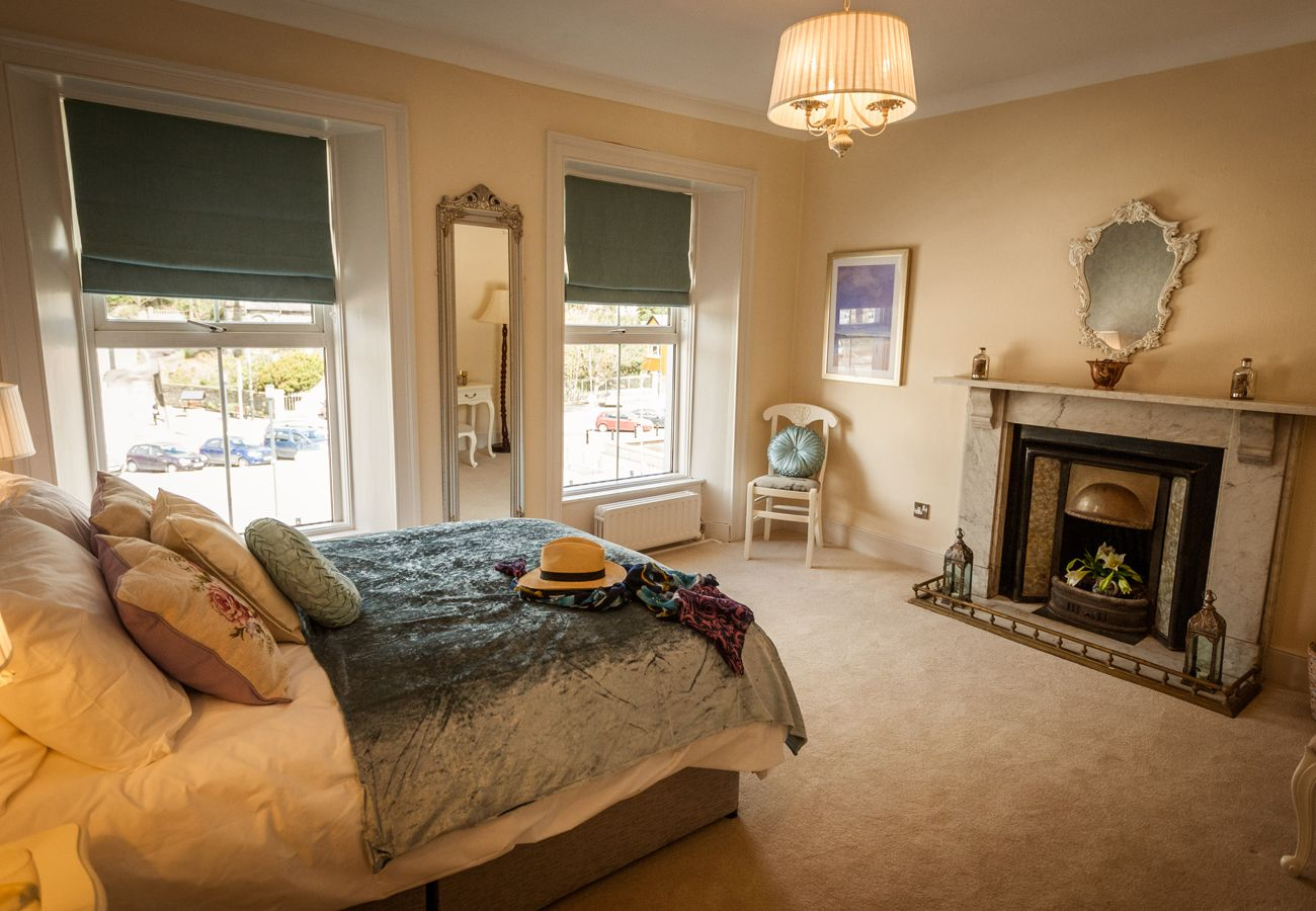 14 Wolfe Tone Square, A Large Self Catering Holiday Home in Bantry, County Cork