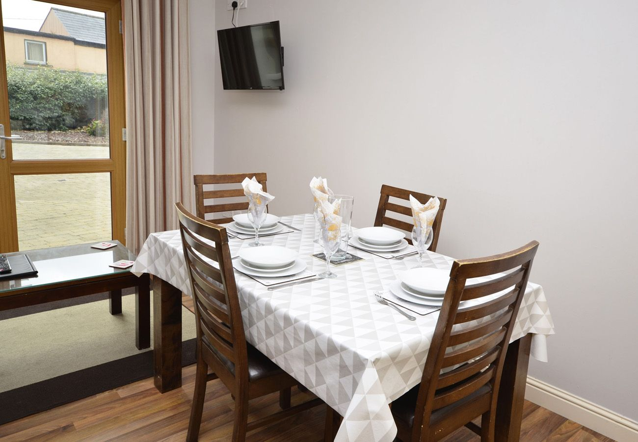 Letterfrack Apartments No.2, Modern Holiday Apartment in Connemara, County Galway