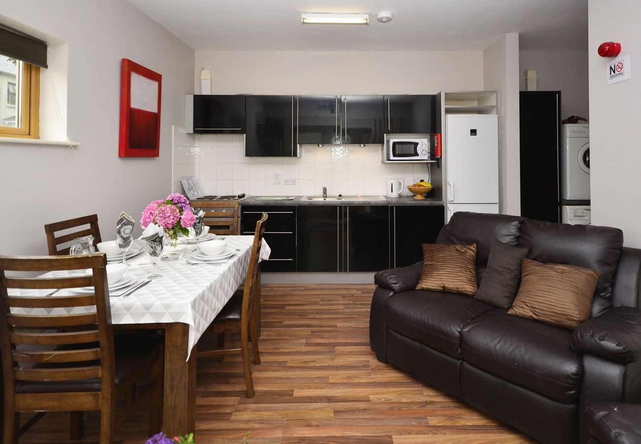 Letterfrack Apartments No.4, Modern Holiday Apartment in Connemara, County Galway
