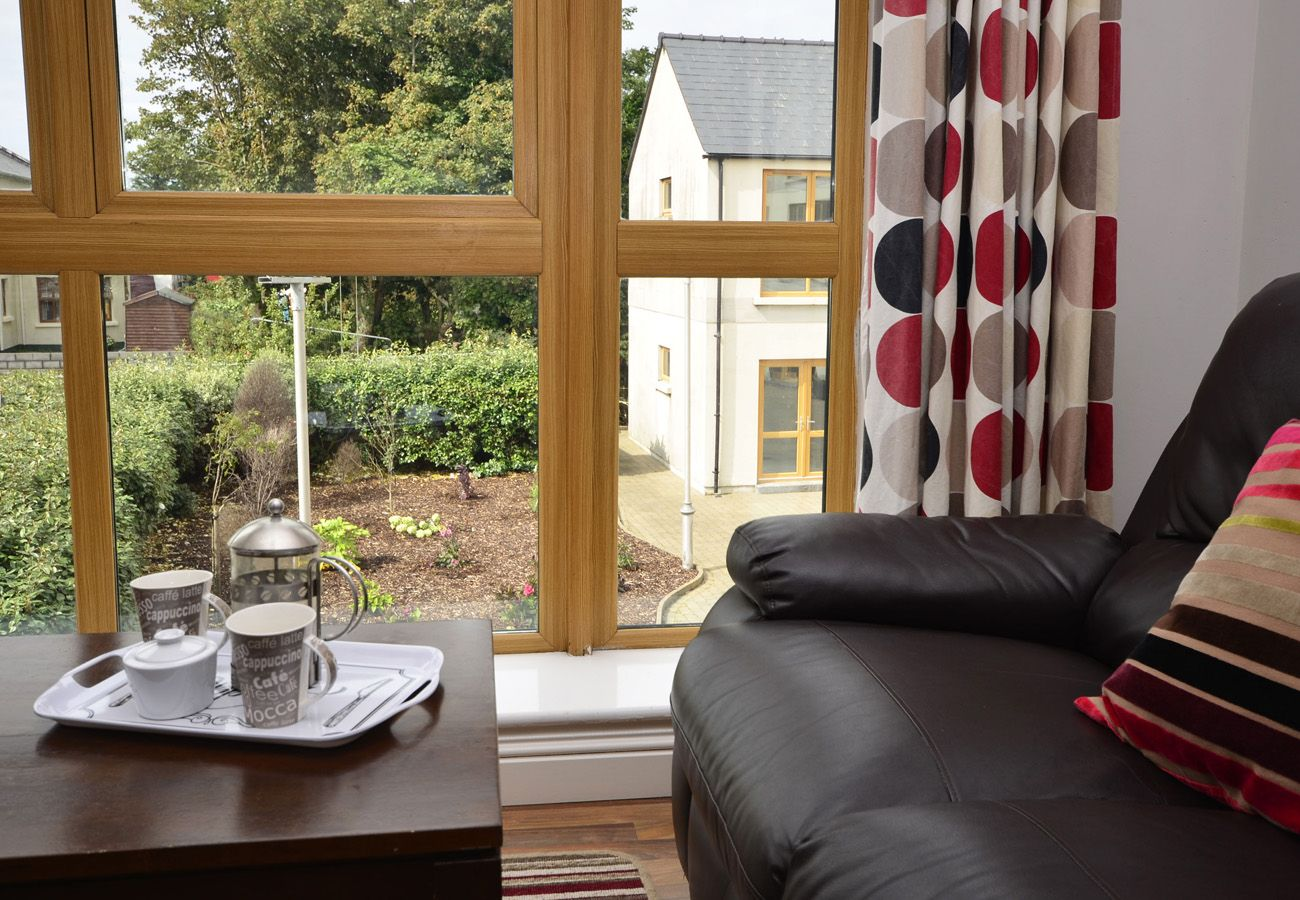 Letterfrack Apartments No.5, Modern Holiday Apartment in Connemara, County Galway