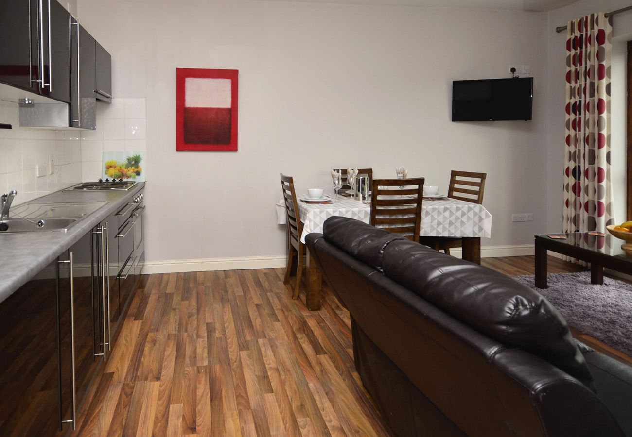 Letterfrack Apartments No.6, Modern Holiday Apartment in Connemara, County Galway