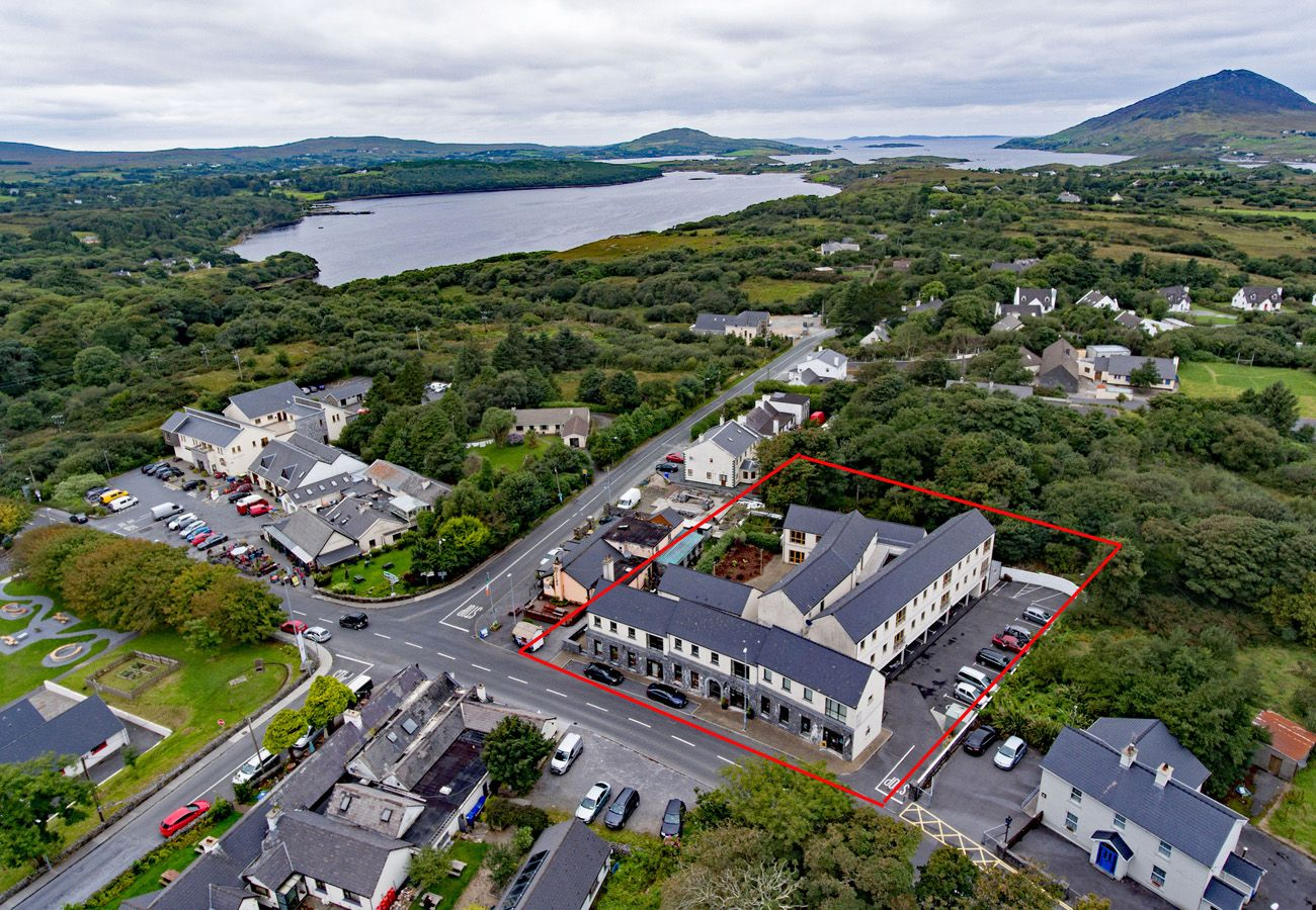 Letterfrack Apartments No.9, Modern Holiday Apartment in Connemara, County Galway