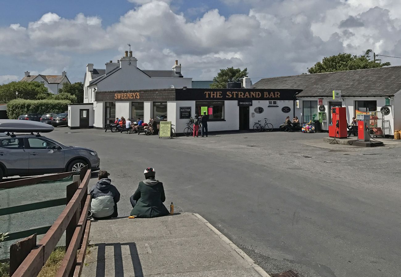 Sweeney's Strand Bar and Shop, Claddaghduff, County Galway