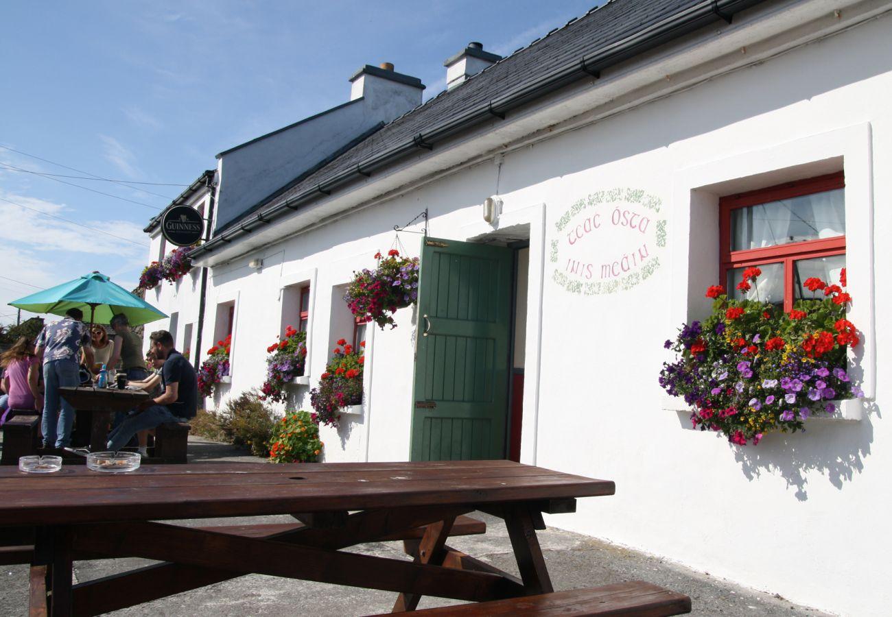 Teach Ósta Inis Meáin Aran Islands image Tourism Ireland