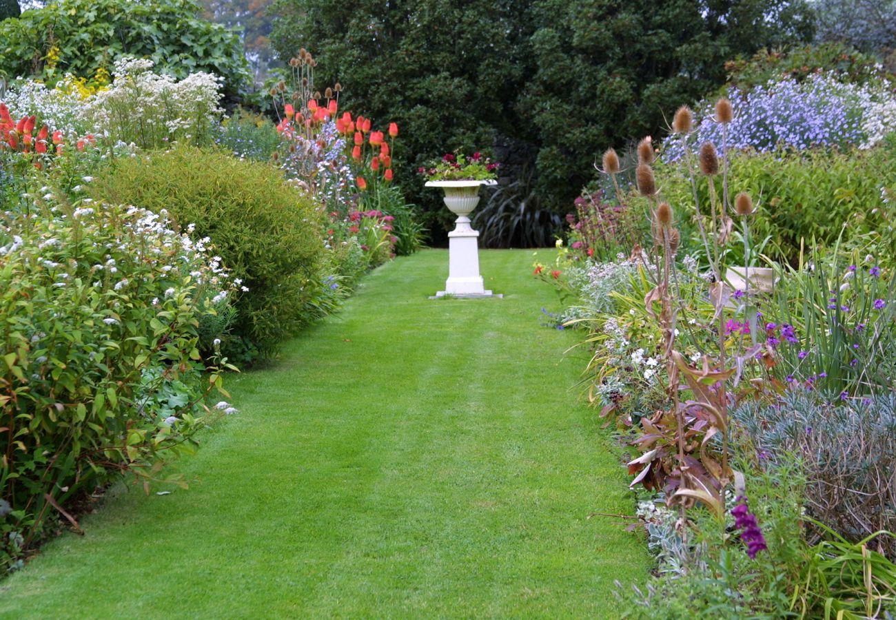 Hardymount Garden Tullow County Carlow copyright Fáilte Ireland & Toursim Ireland