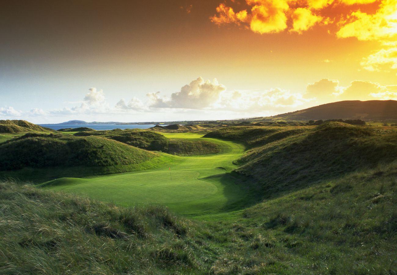 The European Club Brittas Bay County Wicklow © Tourism Ireland