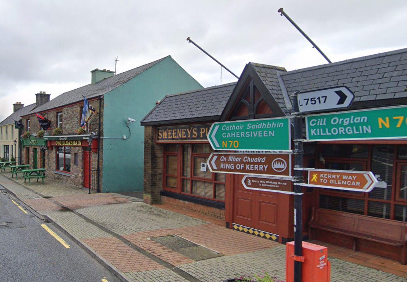 Glenbeigh Village, County Kerry, Ireland © Fáilte Ireland