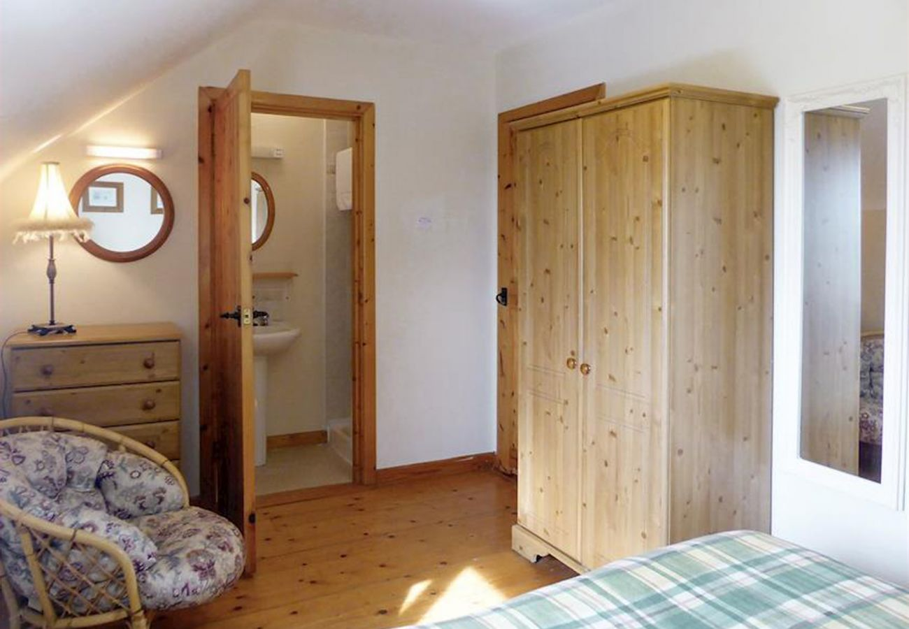 Sweetbriar Holiday Cottage, Coastal Holiday Accommodation in Kilmore Quay, County Wexford