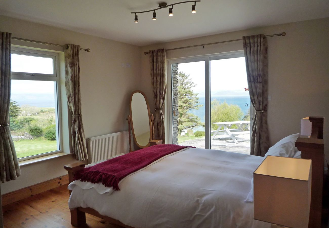 Radharc Na Cealla Holiday Home, Seaside Self-Catering Accommodation on the Ring of Kerry, County Kerry