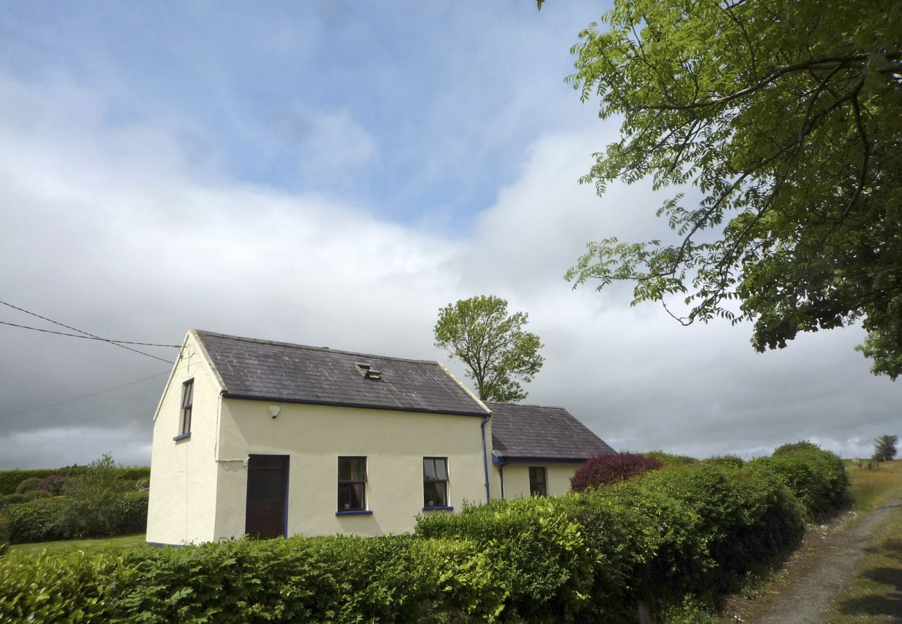 Sheans Holiday Cottage, Pretty, Self-Catering Holiday Accommodation in Killarney, County Kerry