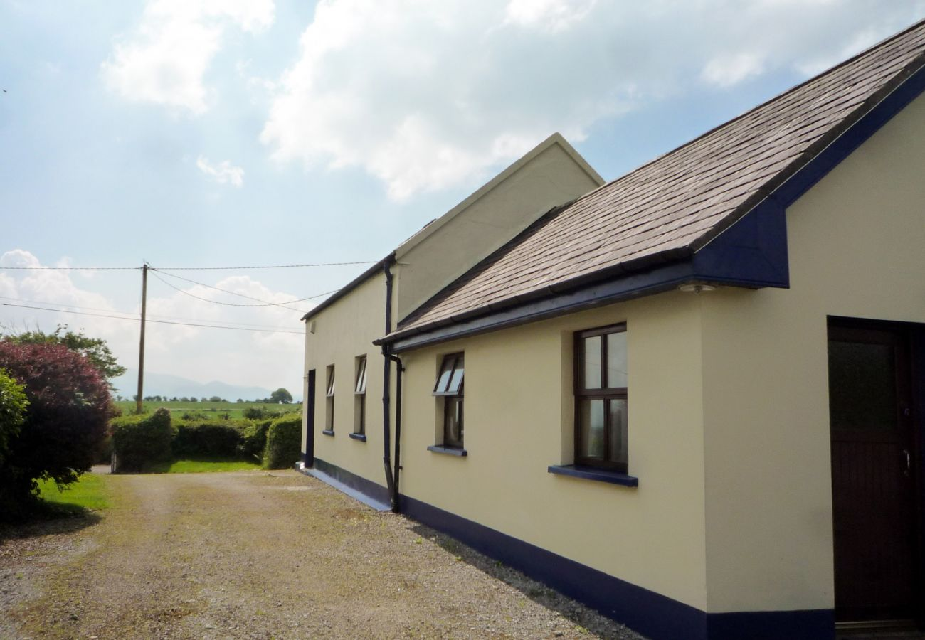 Sheans Holiday Cottage, Pretty, Self-Catering Holiday Accommodation, Killarney, County Kerry