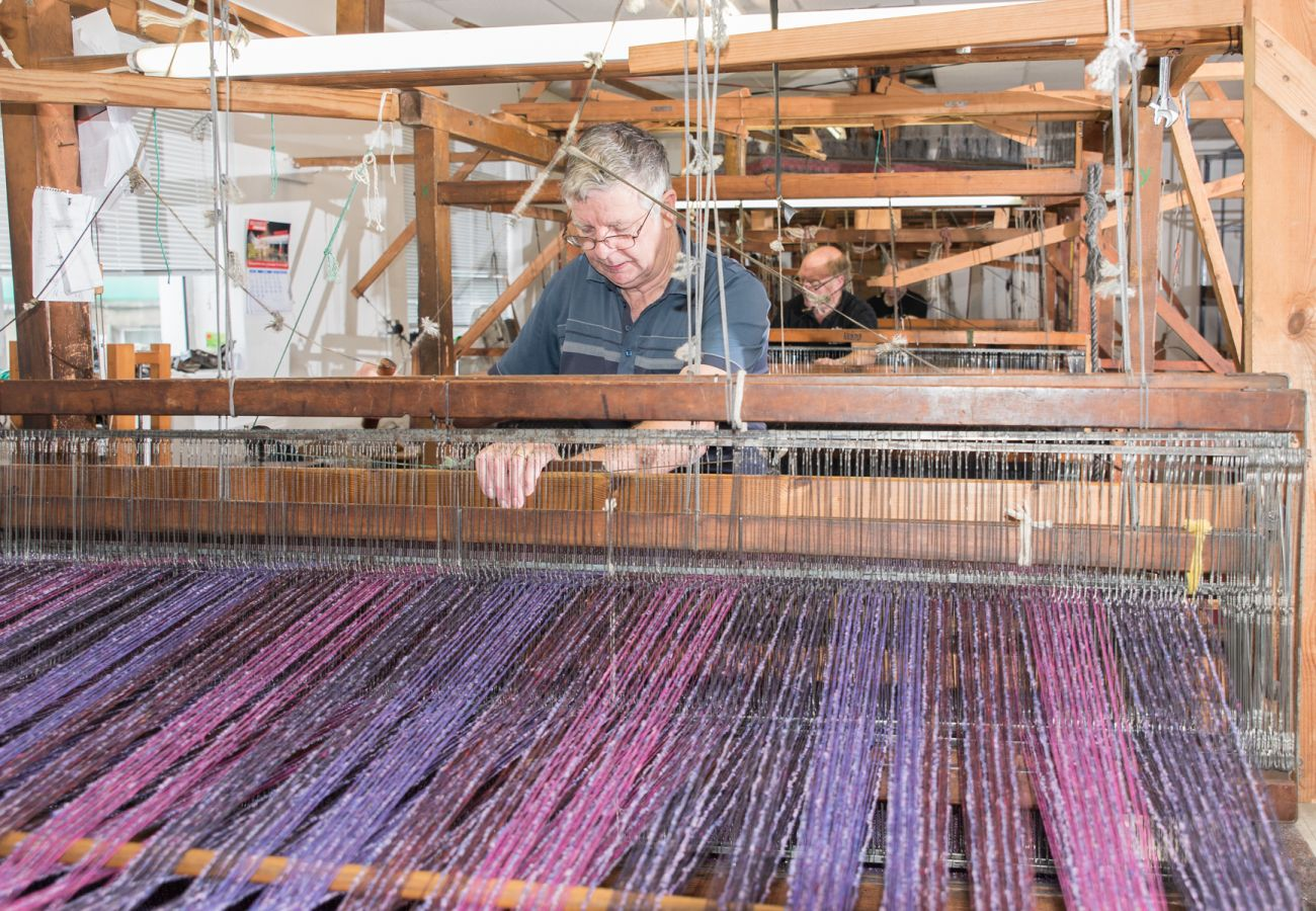 Weaving Studio Donegal © Tourism Ireland
