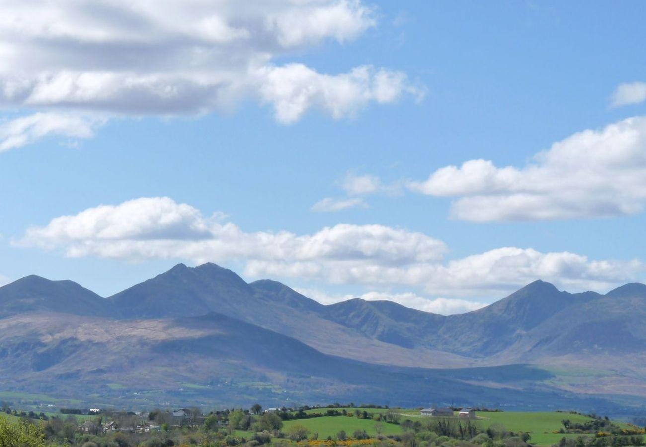 Carrauntoohil mountains, County Kerry © Tourism Ireland
