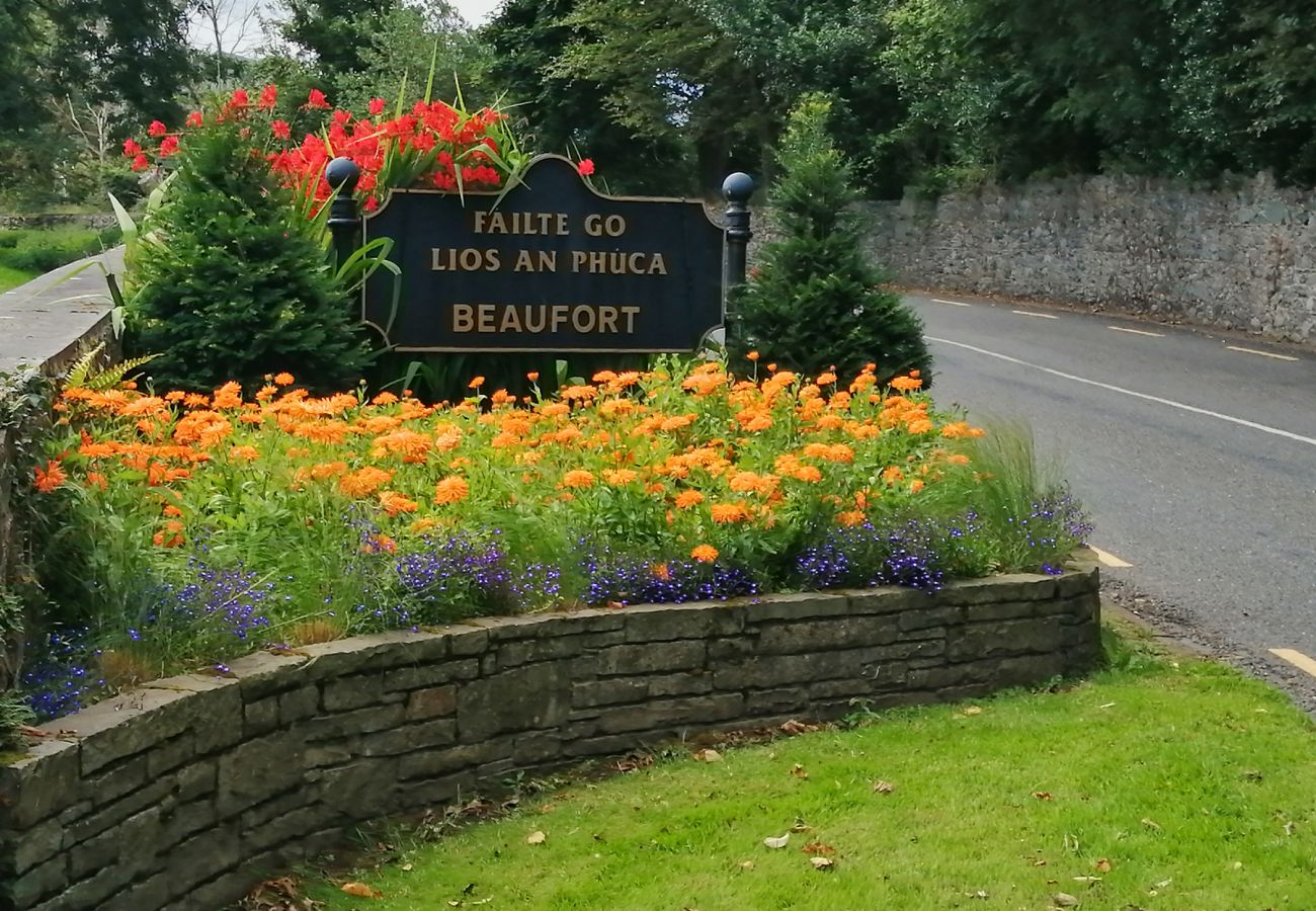 Beaufort Village, County Kerry © Fáilte Ireland