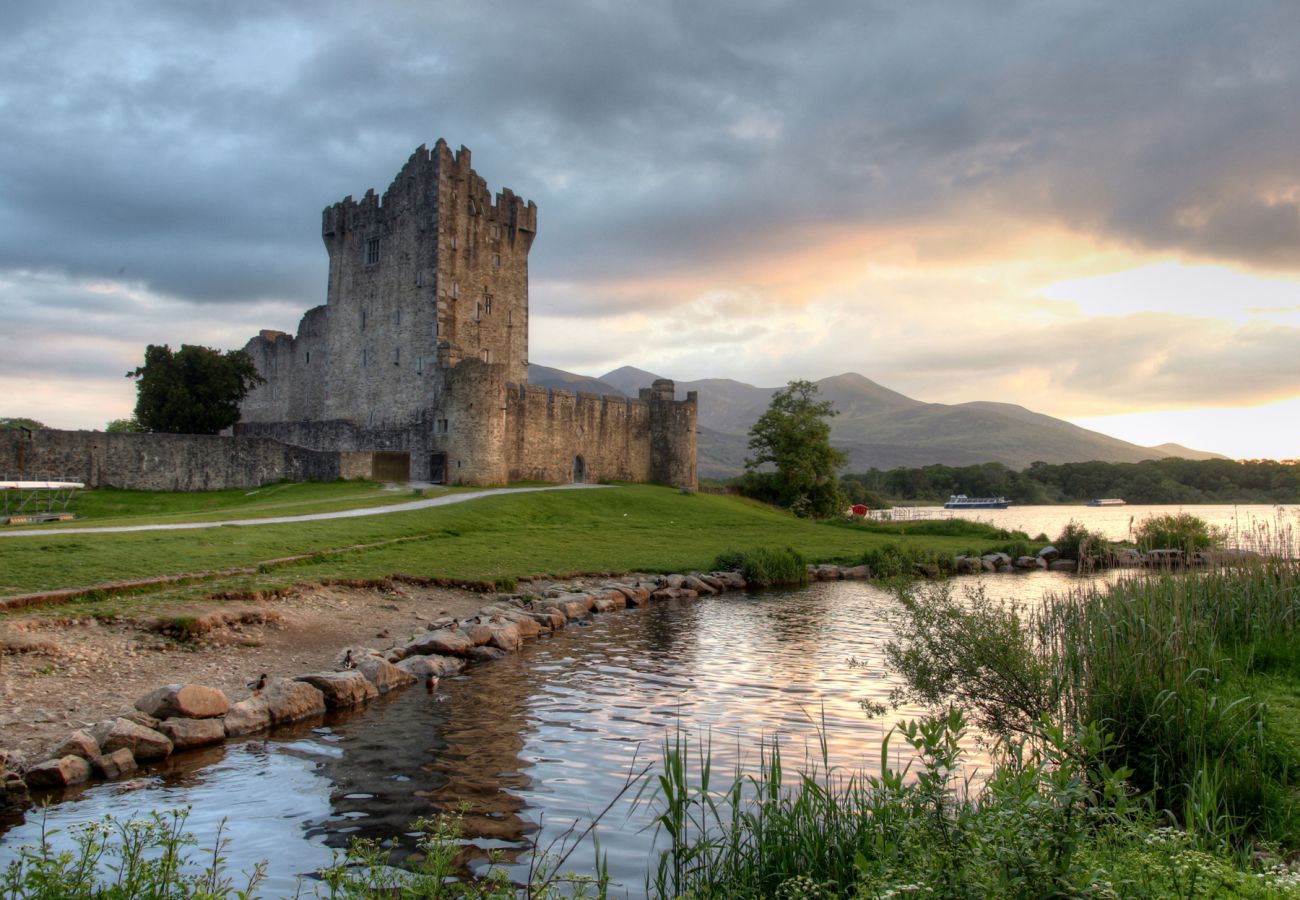 Ross Castle, Killarney, Ring of Kerry, © Fáilte Ireland