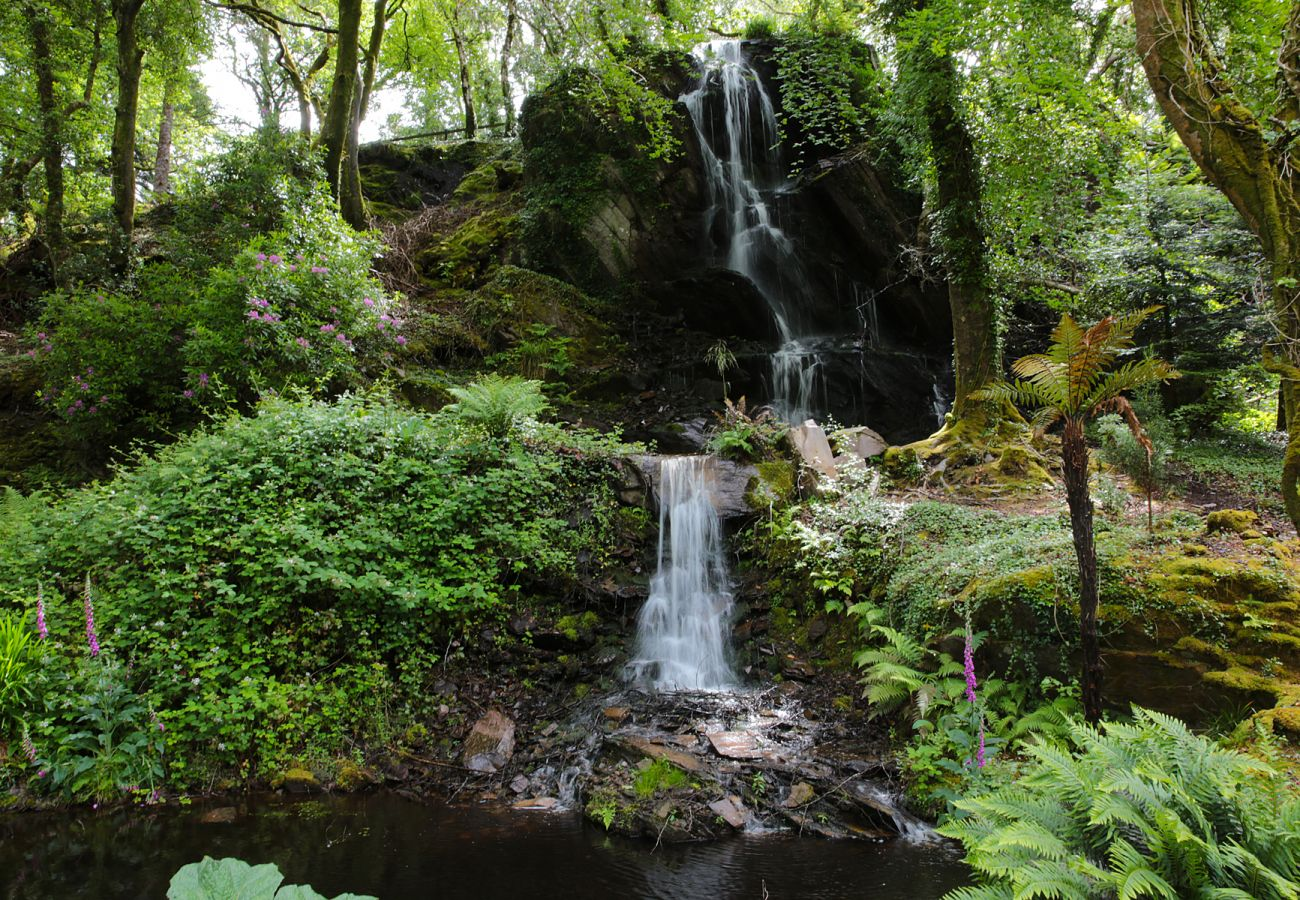 Kells Bay Gardens Waterfall, County Kerry © Tourism Ireland