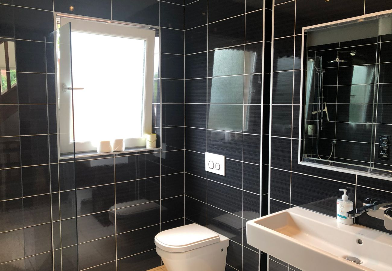 Belfast City Holiday Home, Modern Self Catering Holiday Accommodation in Belfast City, County Antrim
