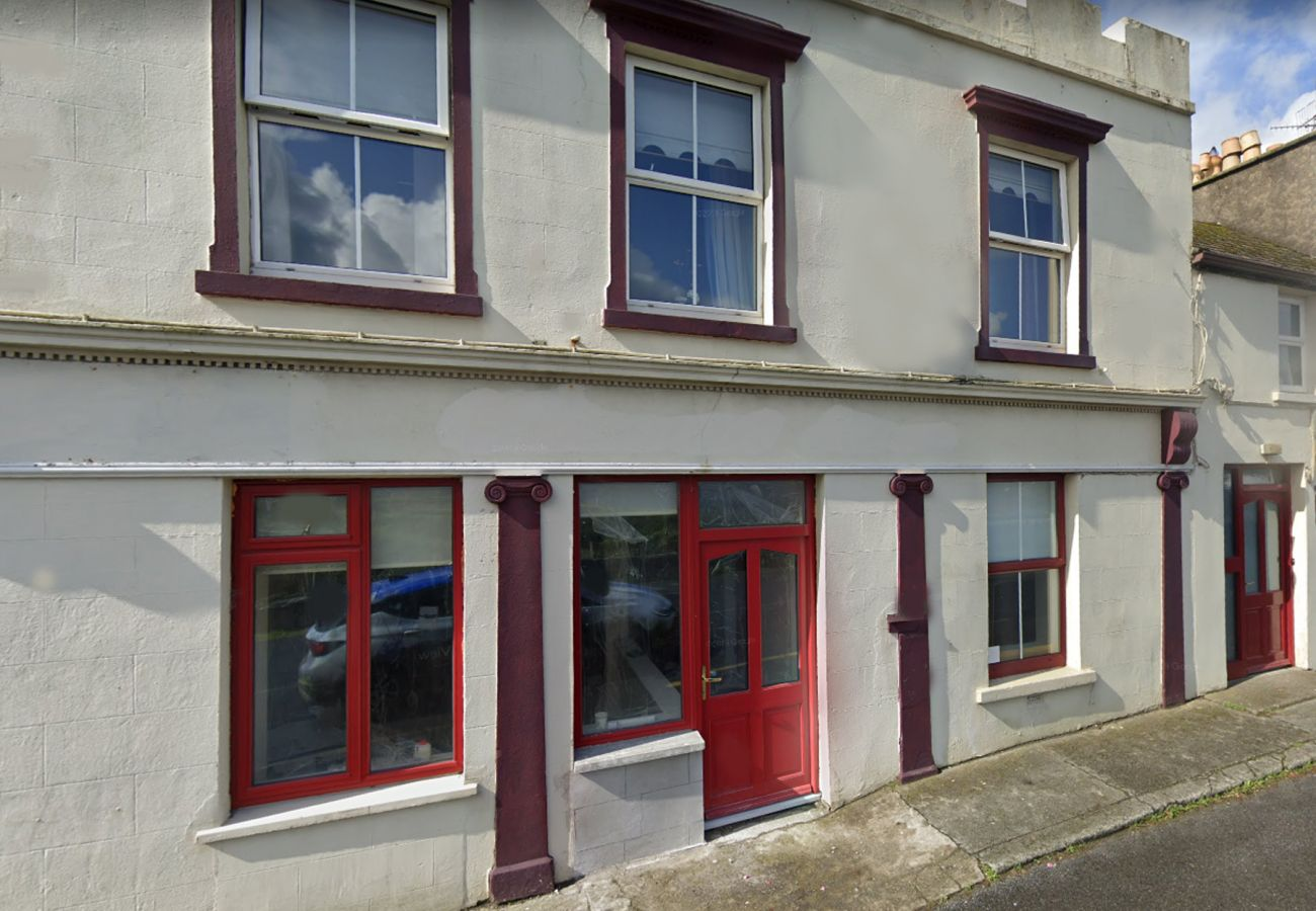 Tully Holiday Apartment, Seaside Self Catering holiday home in Connemara, County Galway