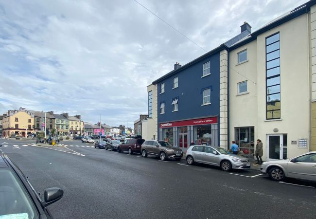 Clifden Luxury Apartment, Self Catering Holiday Home in Clifden Town, Connemara, County Galway
