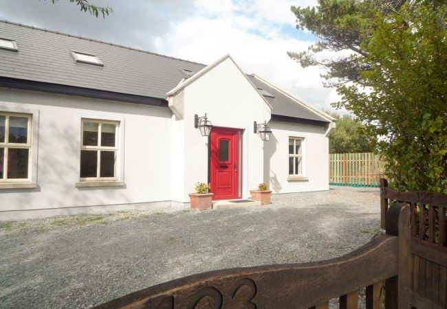 Attractively Designed Cottage