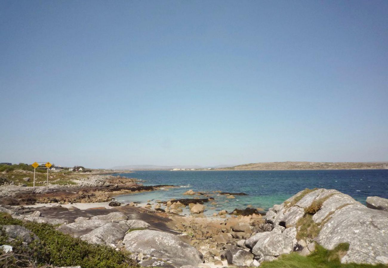 Ti Mhaggie Holiday Cottage,  Coastal Self Catering holiday home in Connemara, County Galway
