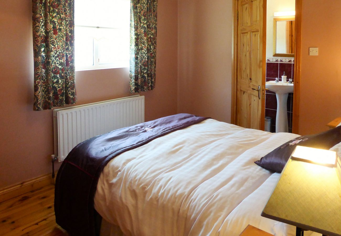 Kilmore Holiday Cottage, Rural Holiday Accommodation in Kilmore, County Wexford