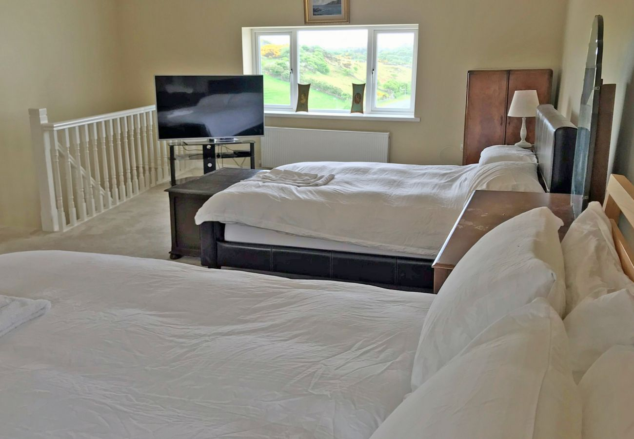 Clifden Luxury Townhouse, Self Catering Holiday Home in Clifden Town, Connemara, County Galway